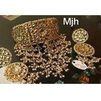 Stylish Kundan Necklace Set