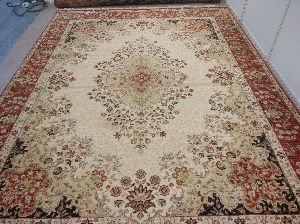 Hand Knotted Traditional Design Woolen Carpets 01