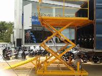 Two Wheeler Unloading Lift