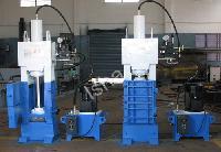 Vertical Scrap Baling Machine