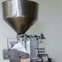Fully Automatic Liquid, Paste, Oil Form Fill & Seal Machine