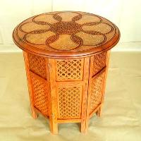 Wooden Round Table (03)
