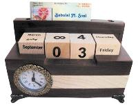 Wooden Table Top Items - 1081