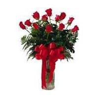 12 Red Rose Bouquet In Wase
