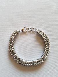 Tight Box Chain Bracelet