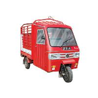 loading auto rickshaw