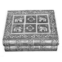 Sindoor Box In White Metal