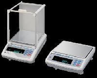 Digital Mass Comparators