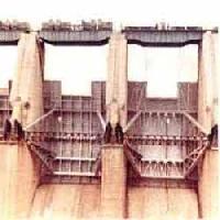 Radial Crest Gate