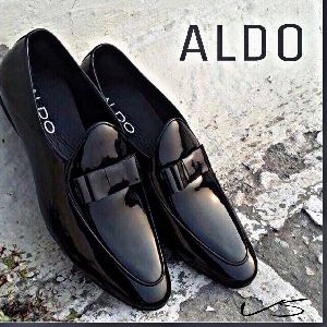 Men And Women Formal And Casual Shoes Supplier