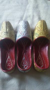 Ladies Handmade Punjabi Jutti