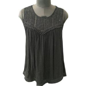 Ladies Fancy Sleeveless Tops