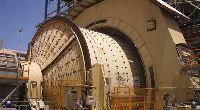 Semiautogenous mills
