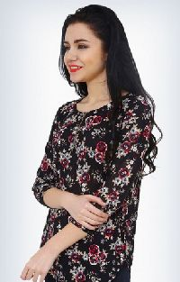 Long Island 3/4 Sleeve Floral Beautiful Top