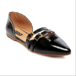 Ladies Shiny Black Sandals