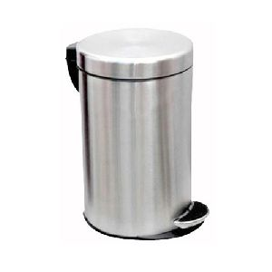 Stainless Steel Foot Operated Matt Finish Dustbins
