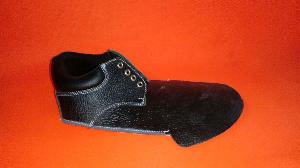 Collar derby safety shoe upper