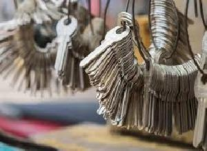 Almirah Duplicate Key Making Services
