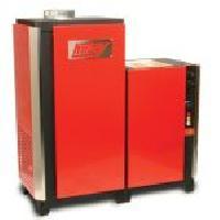 1400 Series Hot Water Pressure Washer