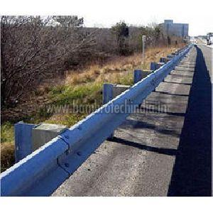 Single Thrie Beam Crash Barriers