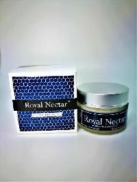 Royal Nectar Moisturizing Face Lift Cream