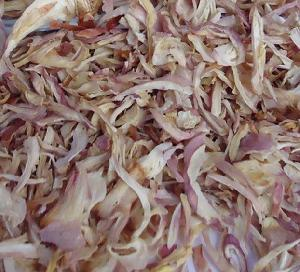 Dehydrated  Pink Onion Kibbled Flakes
