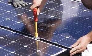 Solar Power Plant Operation & Maintenance