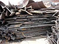Cast Iron Scraps-02
