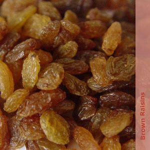 dried brown raisins
