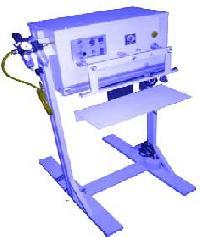 Pneumatic Vertical Sealing Machine