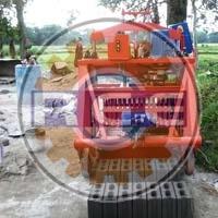 Semi Automatic Egg Laying Block Making Machine (rbm-01)