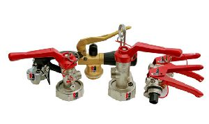 Grooved landing valve