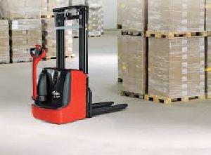 Forklifts Linde Electric Pallet Stacker