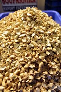 Broken Cashew Nuts