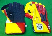 Wicket Keeping Gloves (V Key-5000)