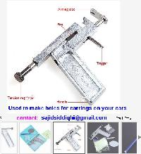 Professional No-pains Ear Piercing Gun With Silver Plated Ear Studs Set And Mirror Beauty