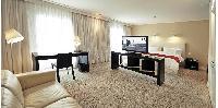 Suite Deluxe Hotel Room Service