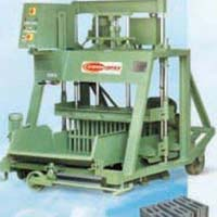 Concrete Block Making Machine with Feeder (1074)