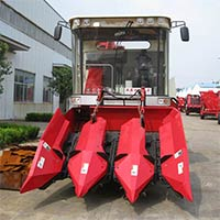 Agricultural Equipment, Corn Combine Harvester