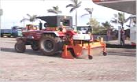TRACTOR ROAD SWEEPER MACHINE