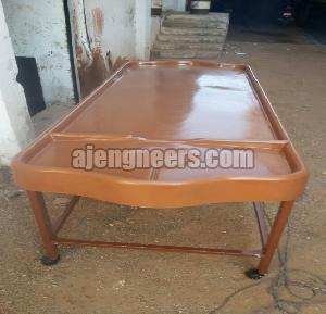 FRP Massage Table With Mild Steel Stand