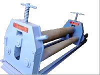 pyramid type plate bending machine
