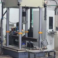 Servo Hydraulic Universal Testing Machine 4 column