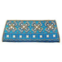 Dazzling Hi Loooook Party Clutches for Gift Purpose