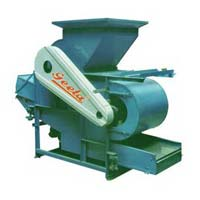 almond shelling and cracking machine