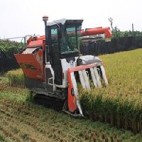 Paddy Harvester Machine